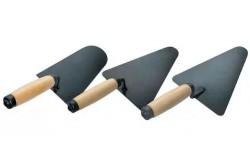 Кельма каменщика КБ с деревянной ручкой (трапециевидное полотно)